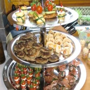 tipps und ideen f r ein buffet eine party ein fest teil 4 mit dessertbuffet. Black Bedroom Furniture Sets. Home Design Ideas