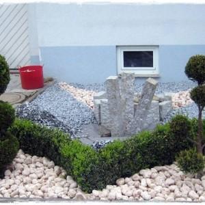Pflanzen f r steinbeet steinbeet gestaltung 22 bilder und ideen f r pflanzen passende pflanzen - Steingartenpflanzen immergrun ...