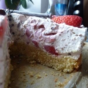 Erdbeer Yogurette Schmand Torte
