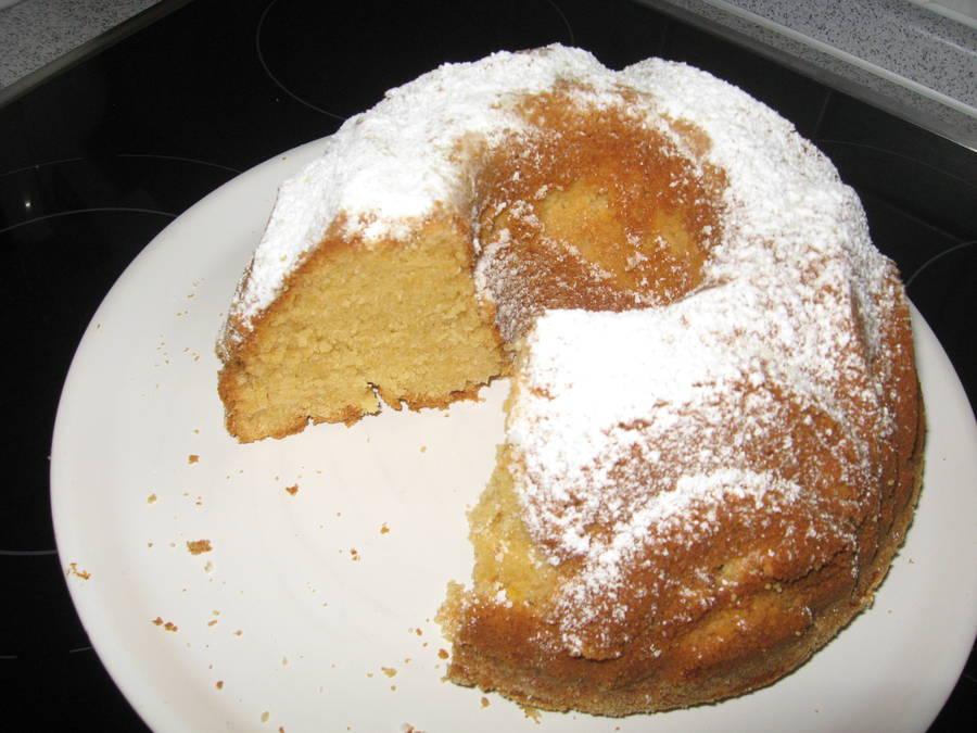 Amaretto-Rührkuchen mit Öl