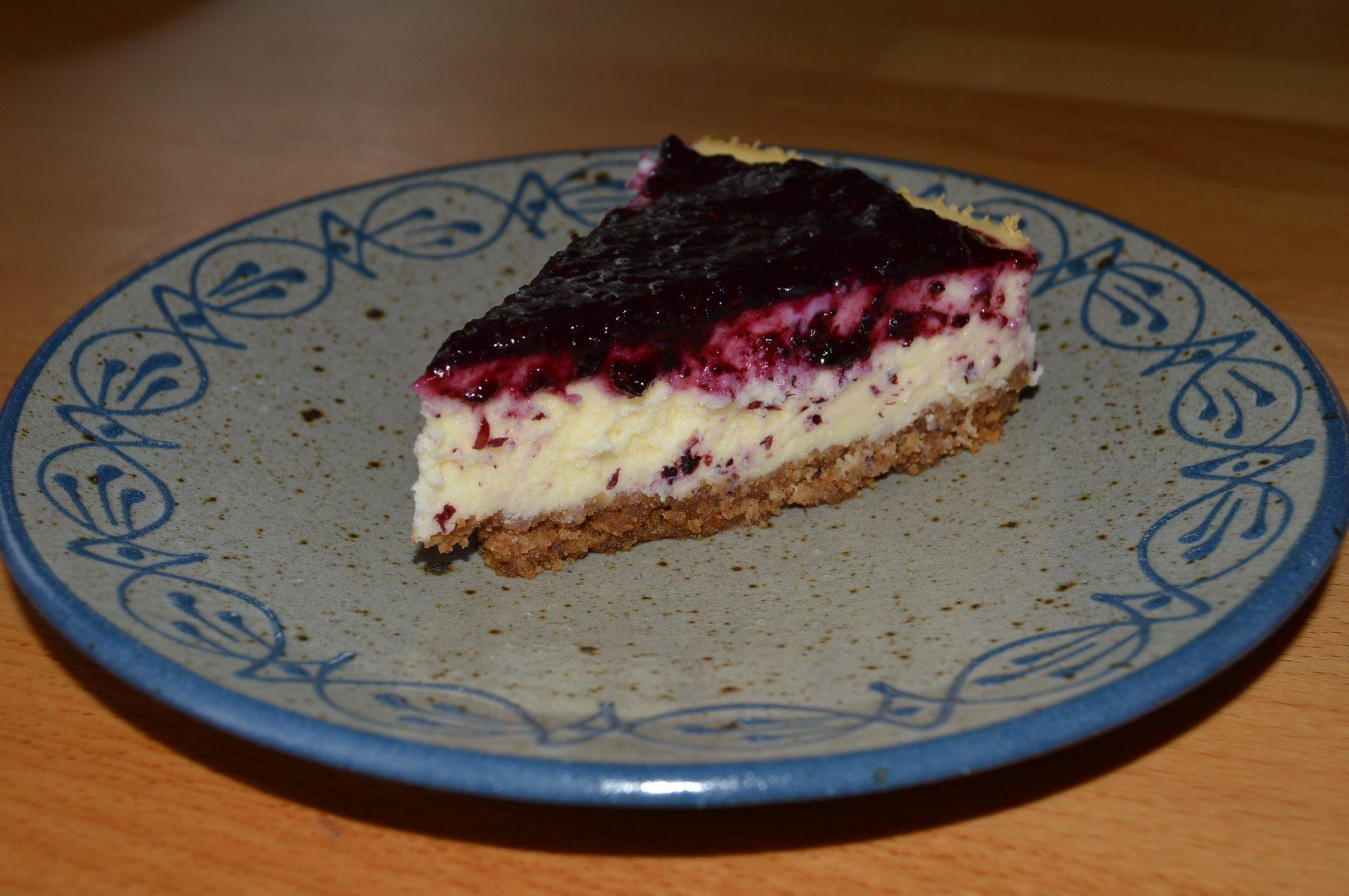 Isländischer Skyr-Kuchen mit Blaubeertopping